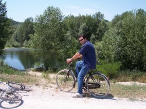 Massimo biking along the Serchio.
