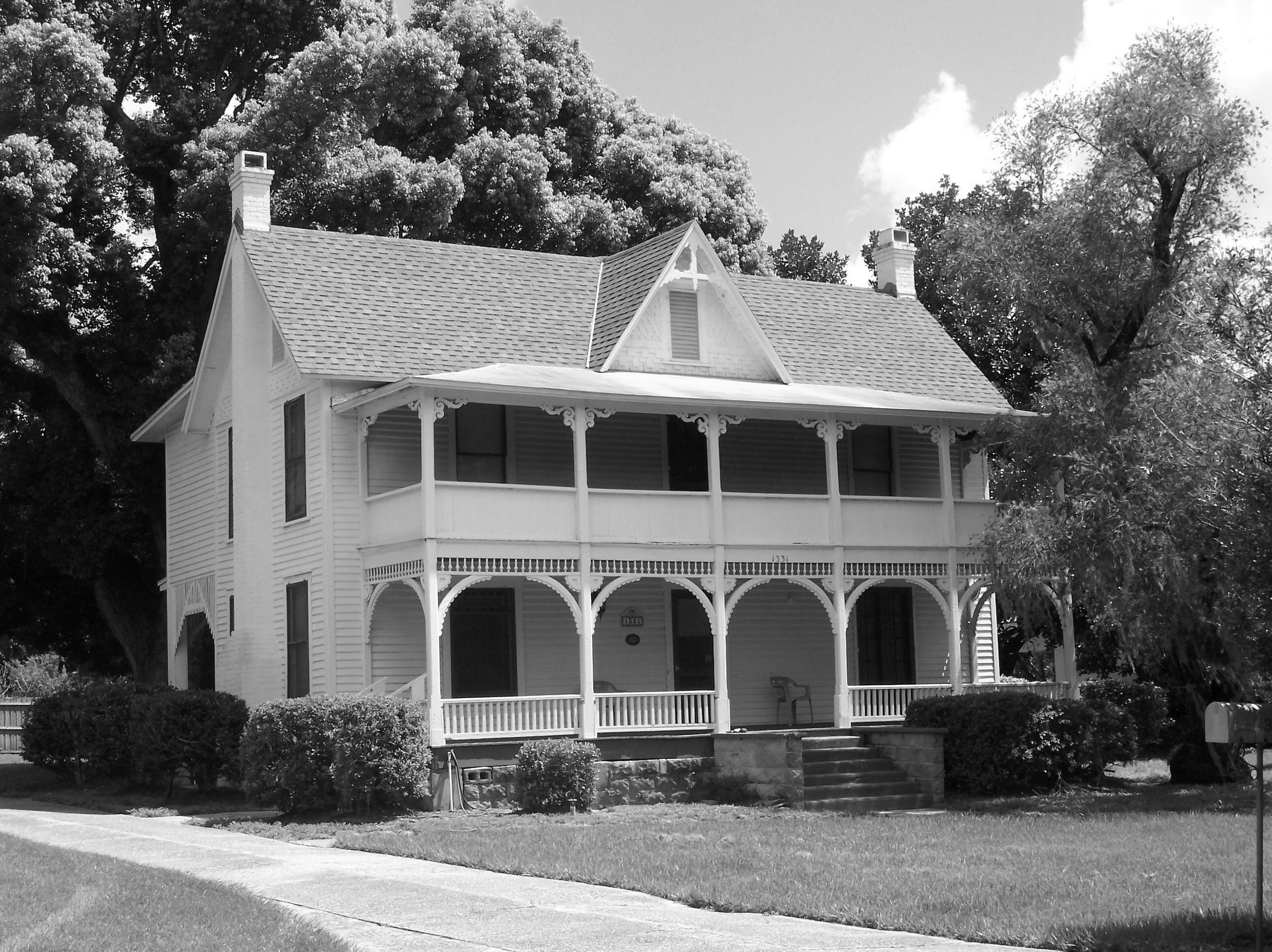 Photobike tour 6 winter park in black and white what Black and white homes